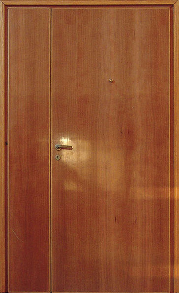 porta chiusa, appartamento, installazione fondazione volume