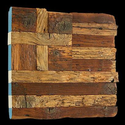 """opera di carlo de meo per la mostra """"siamo tutti greci"""", bandiera greca in legno eroso, grecia"""