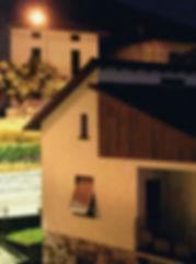 morbio inferiore, svizzera, case intersecata, luce lampione, notte