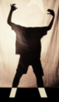 ombra bambino, O e A, sagoma scura su telo