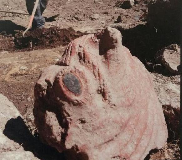 Animal en terre cuite, peut-être un aigle, découvert à Ucetia, époque indeterminée