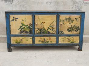 Decorative Chinese sideboard
