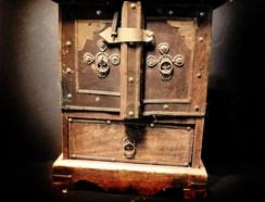 Trinket box 2 a.jpg