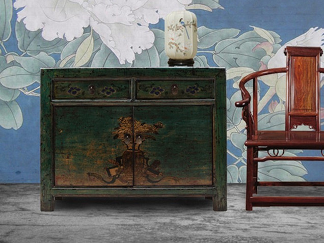Chinese decorative cupboard with 2 drawers