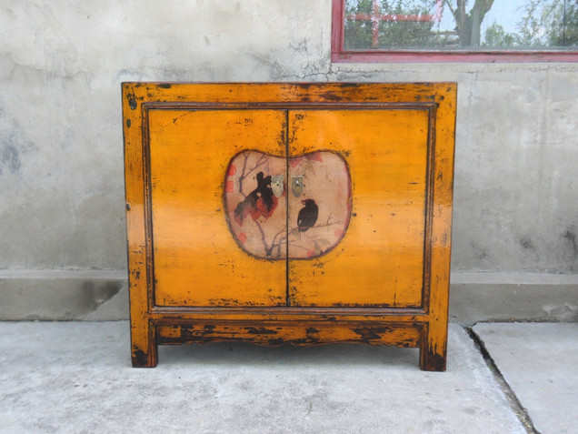 Traditional style Bejing cabinet