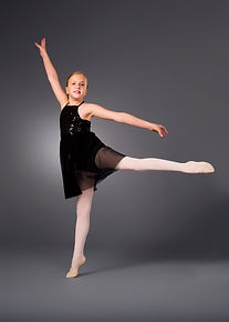 Broadway Bound Dance Academy in Loveland, Ohio offers ballet and pointe classes.