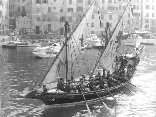 """Le nostre Usanze. """"U Dragun """" Barca immagine del borgo camoglino"""