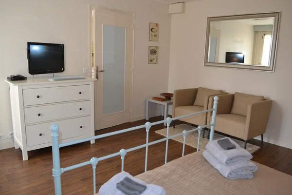 Bedroom_Gîte.jpg