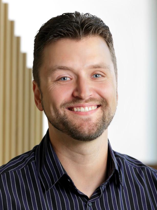 Dr. Daniel Leger