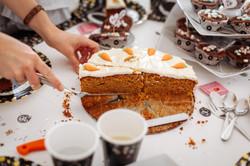 Anne Hoffmann Herzmensch Fotografie Geburtstag Torte essen