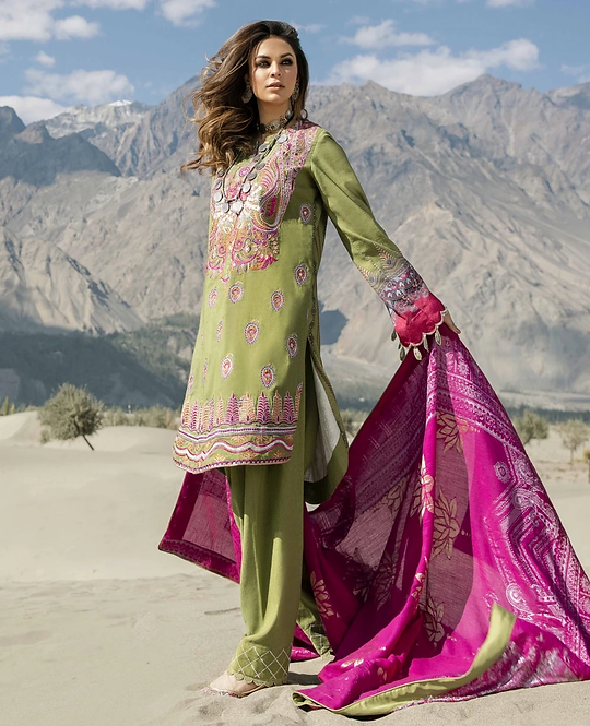 GREEN EMBROIDERED DIGITAL PRINTED KARANDI PAKISTANI SUIT