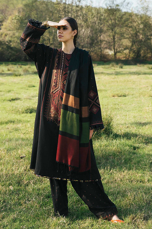 BLACK EMBROIDERED KHADAR WINTER LUXURY SUIT