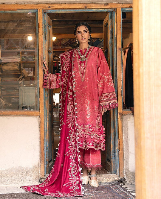 TEA & BERRY PINK EMBROIDERED JACQUARD SUIT