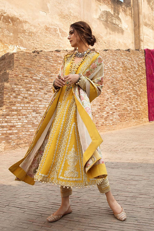 AMBER EMBROIDERED KHADDAR WINTER SUIT