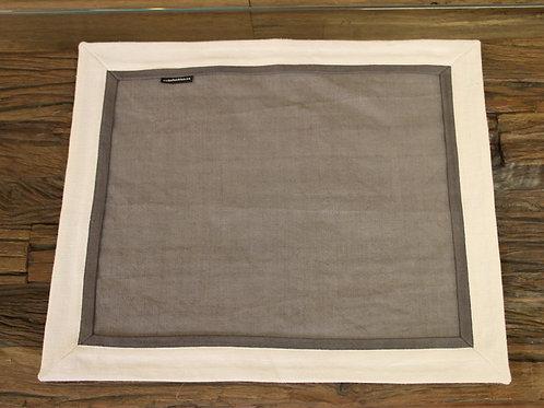 Tischset aus Naturleinen in den Farben Grau/Dunkelgrau/Natur 45 x 37 cm