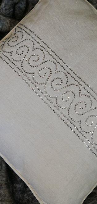 Handgemachte Leinenkissenhülle mit Bordüre aus Kristalle 50 x 50 cm