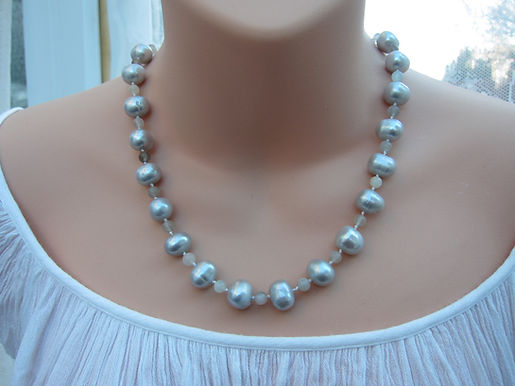 Large grey pearl and grey moonstone necklace