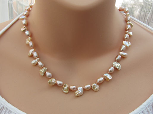 Peach pearl and silver necklace