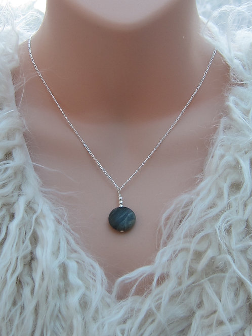 Jadeite and silver necklace