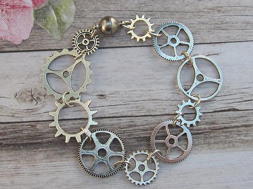 Steampunk /cog bracelet