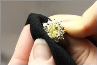 Jewelry-Cleaning.jpg