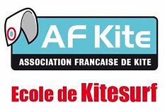 Ecole de Kitesurf Kiteplus-hyers, Stage Débutant Kitesurf, Performer Kitesurf, Spot Almanarre, Kitesurf Camp, Kitesurf en Septembre, Adrenalin Hunter, Adekua Kitesurf, Kitesurf Sécurité, Kitesurf Sud de la France