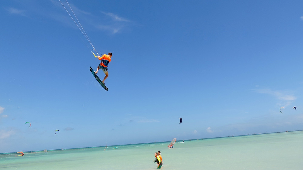 Kitesurf Aruba avec Kiteplus-hyeres.com