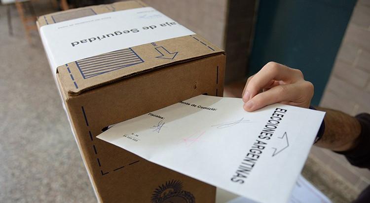 Se sancionó la ley que aplaza por un mes las PASO y las elecciones legislativas