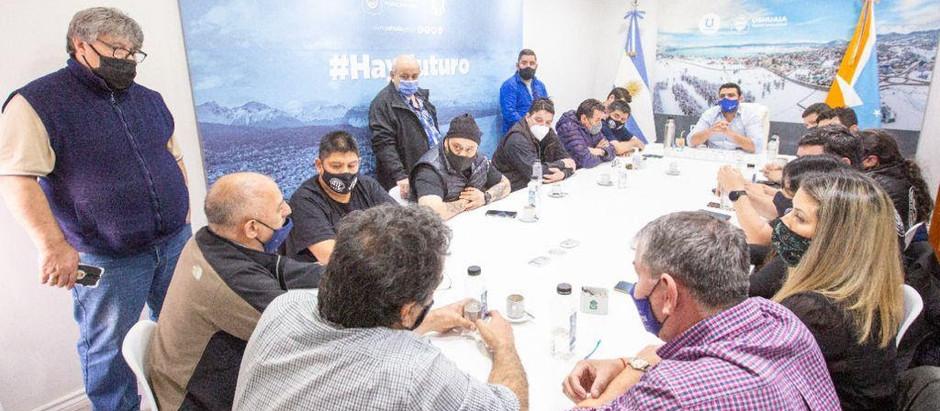 Ushuaia: Empleados municipales recibieron un 41% de aumento durante 2021
