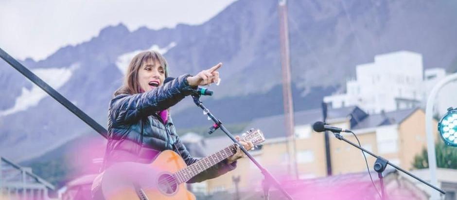 Ushuaia: conversatorio y show de Hilda Lizarazu
