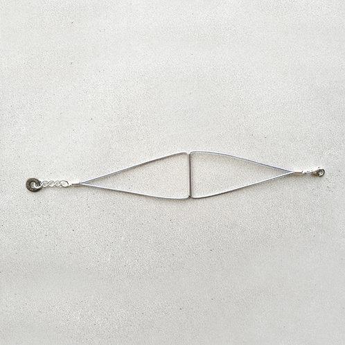 Pulsera Triángulo Gris Plata