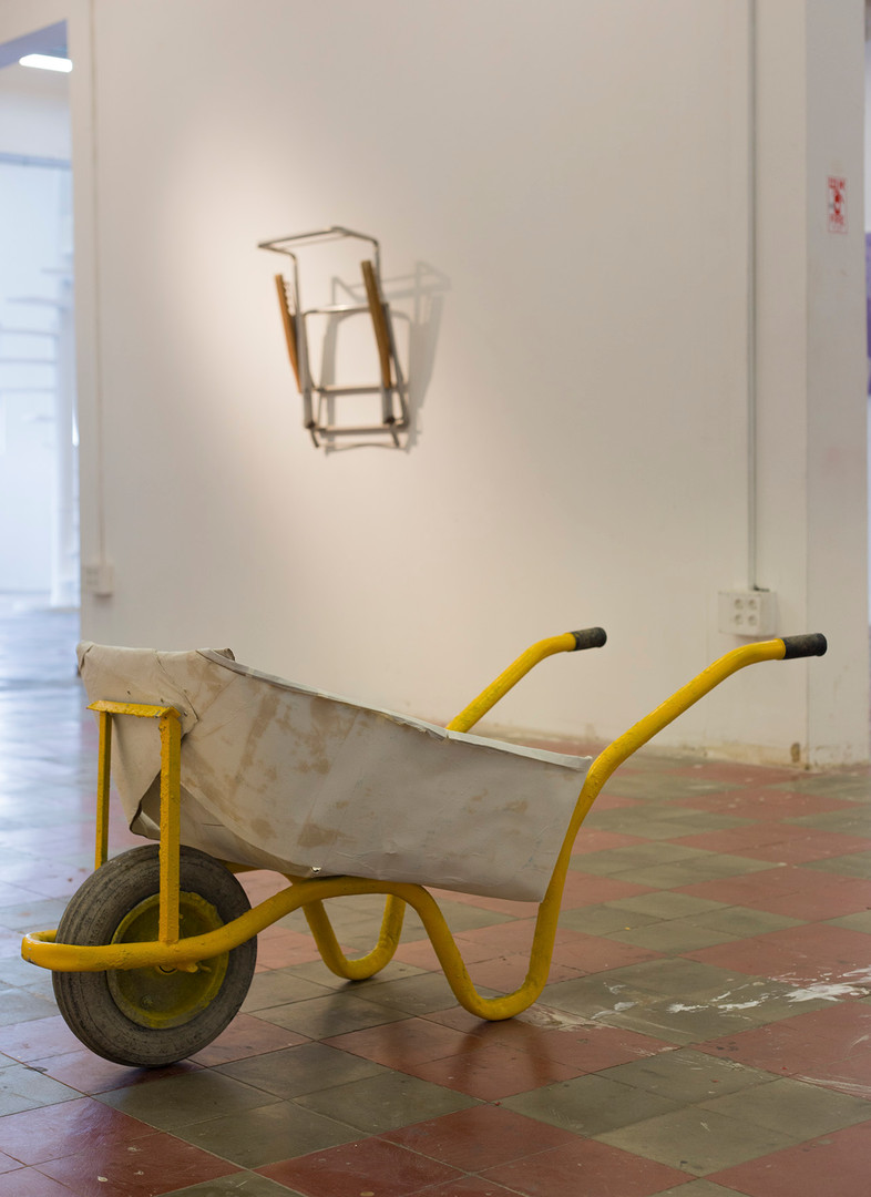 Hold Me, installation view weal-barrel a