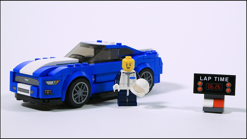 Lego Ford Mustang blue with minifigure builds his own GT