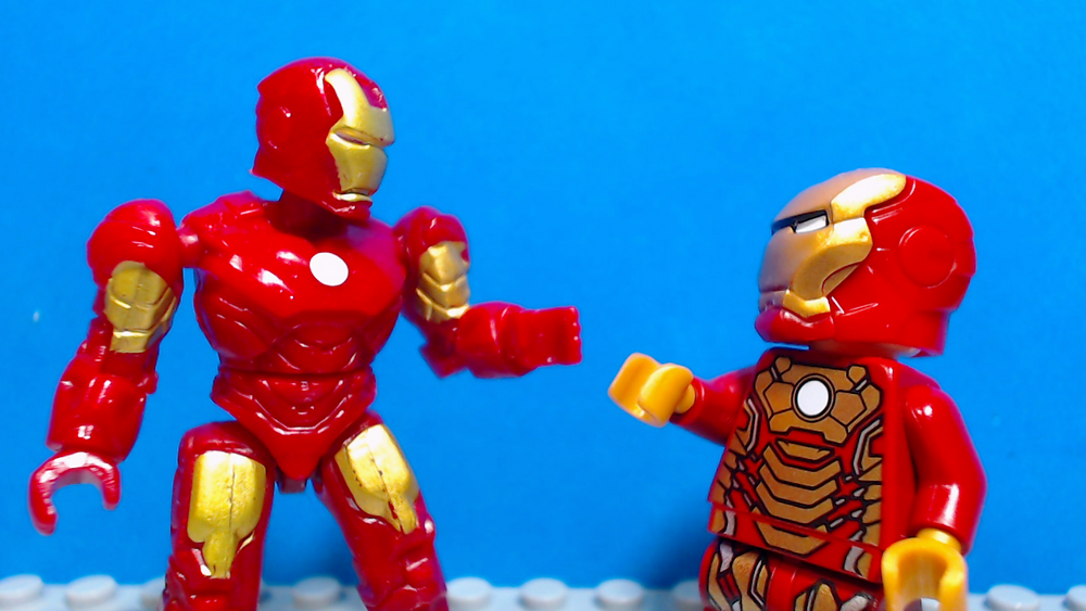 Mega Bloks or Mega Construx Iron Man figure versus Lego Iron Man figure