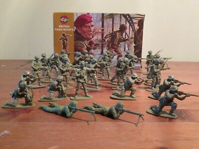 Vintage British paratroopers airfix plastic army stop motion brickfilm