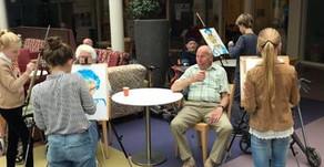 Leerlingen van De Noordwijkse School portretteren ouderen