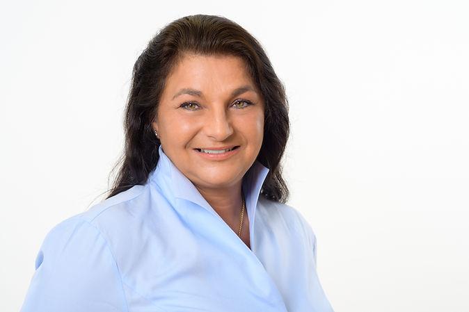 Frau Sanja Müller