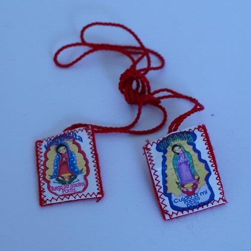 Escapulario de tela roja, mediano con Virgen de Guadalupe infantil