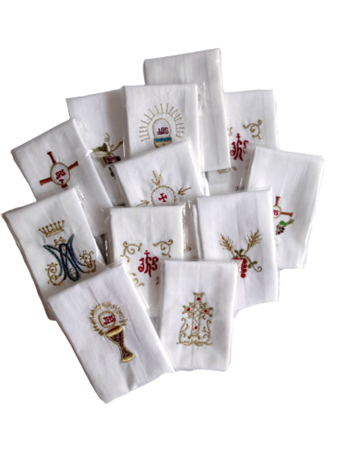 Purificador de tela de algodón bordado con diseños Eucarísticos