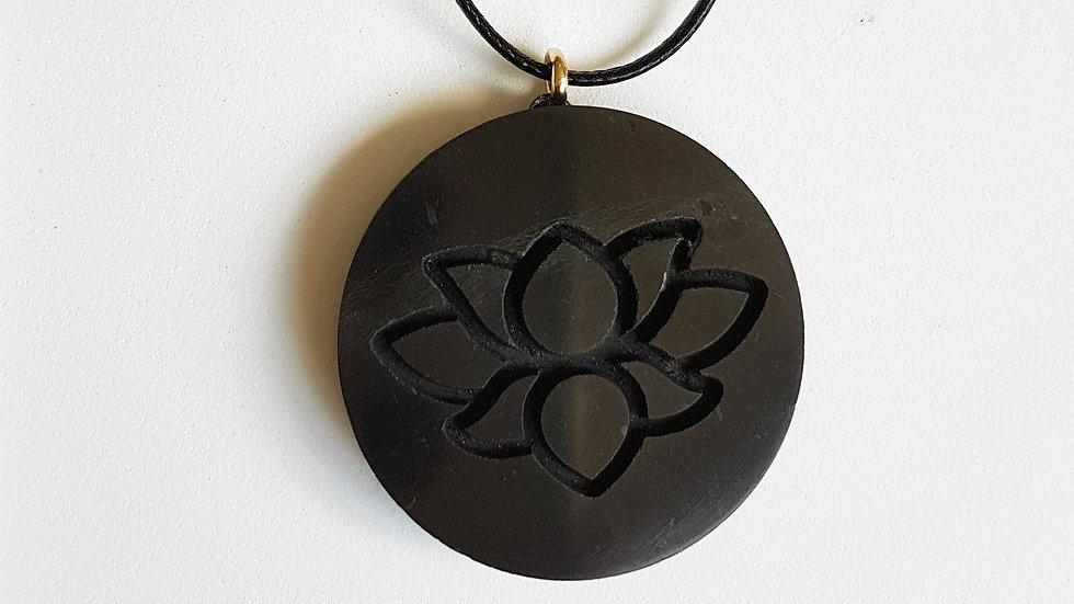 Pendentif Lotus Shungite  diamètre 3,5 cm