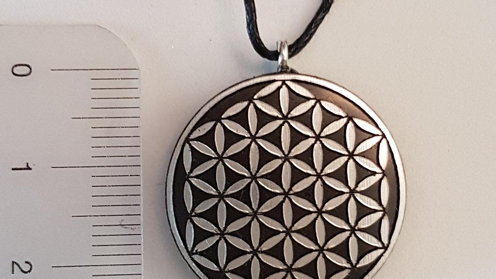 Pendentif fleur de vie motif Argent Shungite  diamètre 2.5 cm
