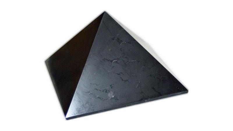 Pyramide polie shungite 7 cm