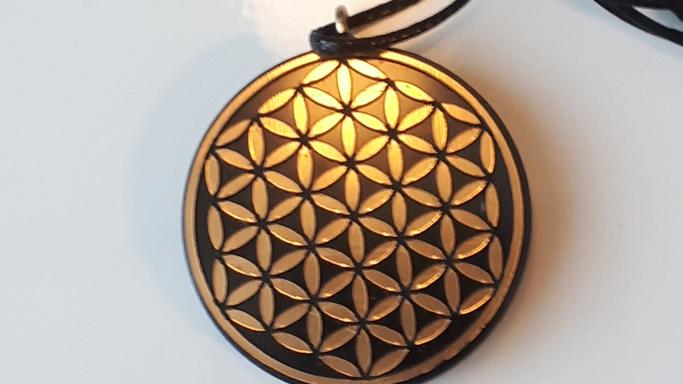 Pendentif fleur de vie motif OR Shungite  diamètre 3  cm