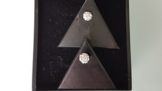 Boucles d'oreilles clou en argent et triangle shungite