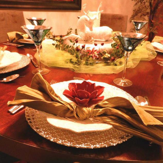 Glen Ellen Holiday Table
