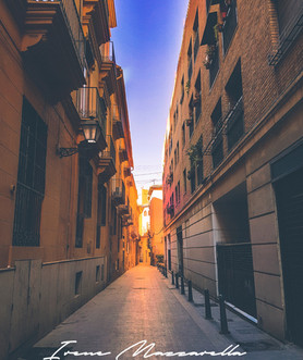 Walking in the small streets of Valencia