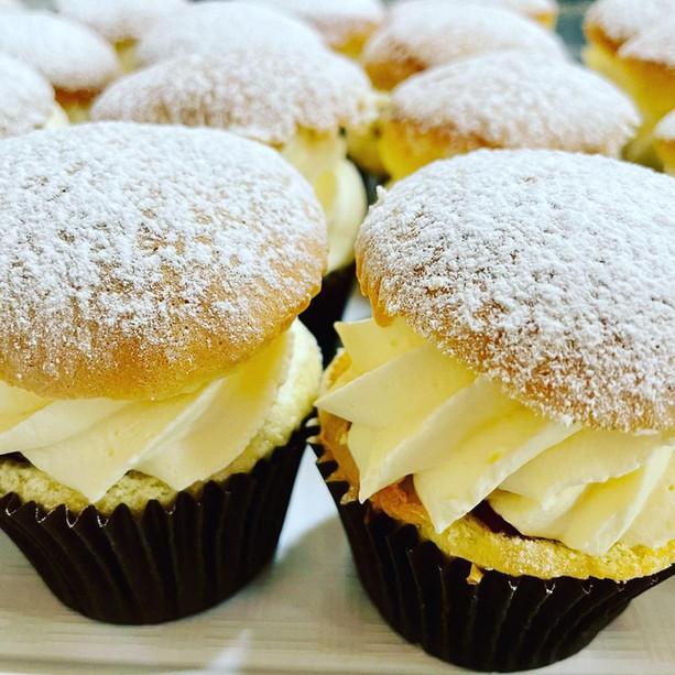 Cream Jam Cupcakes