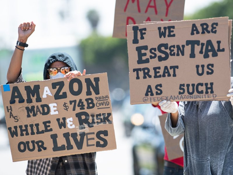 Amazon workers  protesting