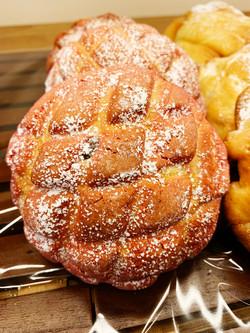 甘酸っぱい!ラズベリーショコラメロンパン