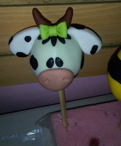 We also make cake pops!